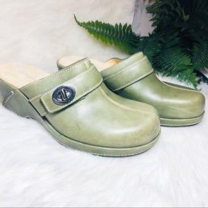 Clark's green clogs size 6.5